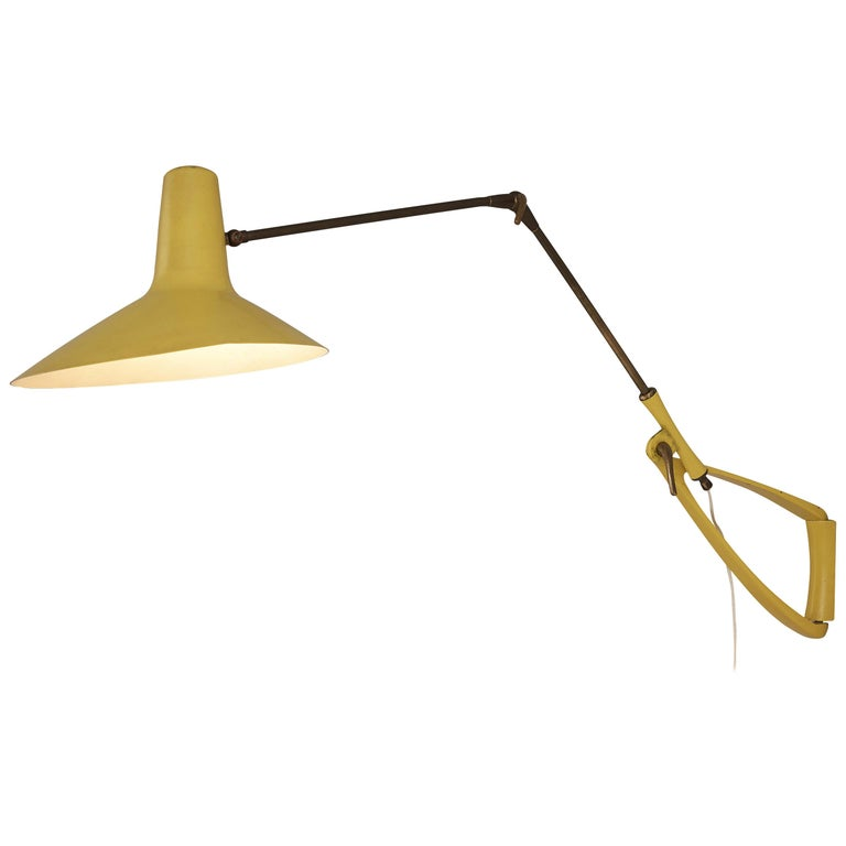 Extendable Italian Wall Lamp in Yellow Metal and Brass