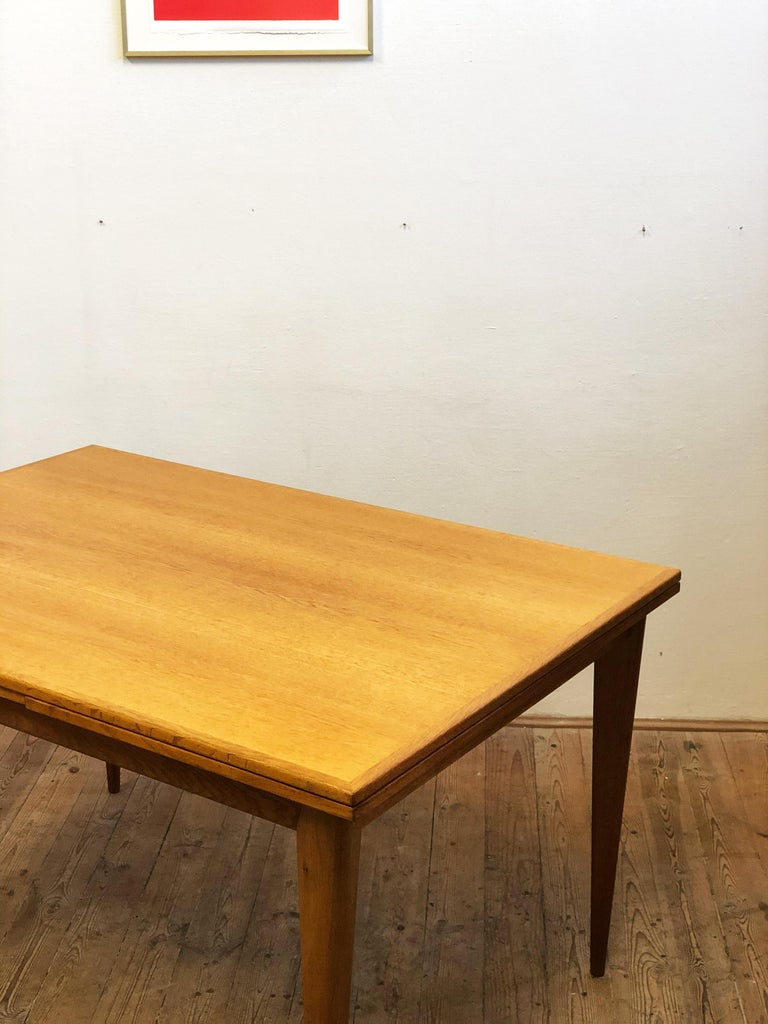 Mid-20th Century Extendable Oak Dining Table by Niels O. Møller for J.L. Møllers Møbelfabrik For Sale