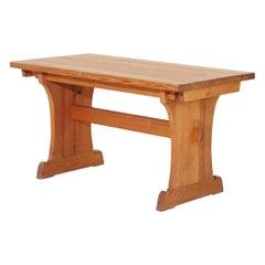 Extendable Table by Axel Einar Hjorth