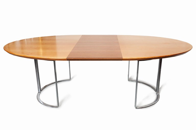 German Extendable Walnut Table by Horst Bruning for Kill International, 1970s For Sale