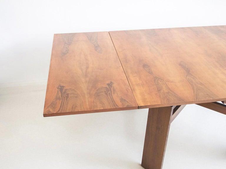 Extendable Walnut Table by Silvio Coppola for Bernini, Model 612 For Sale 12