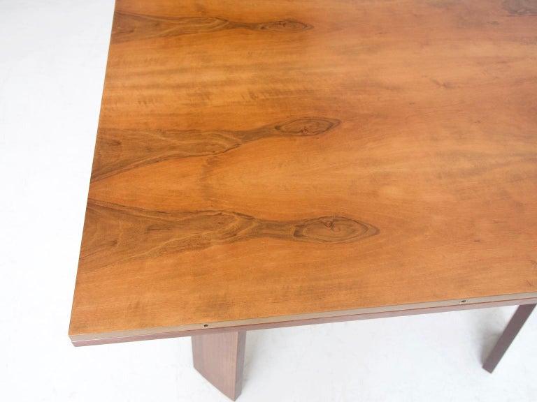 Extendable Walnut Table by Silvio Coppola for Bernini, Model 612 For Sale 2