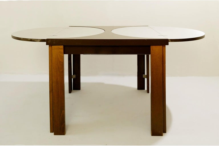 Mid-Century Modern Extending Dining Table For Sale
