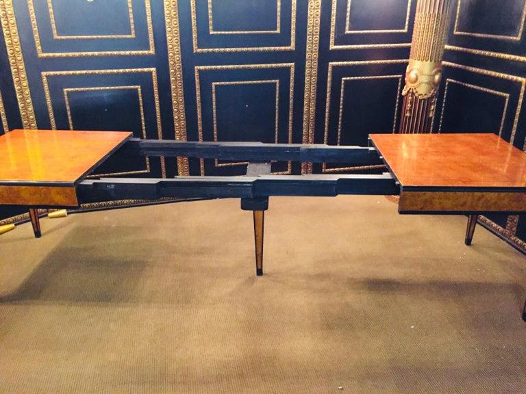 Extending Table in Biedermeier Style Bird's-Eye Maple In Good Condition For Sale In Berlin, DE