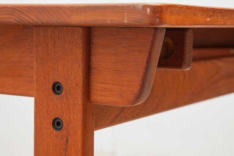 Extending Teak Dining Table Made in Denmark, 1960s In Good Condition For Sale In Antwerp, BE