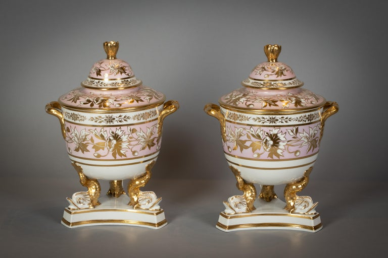 Extensive English Porcelain Dessert Service, circa 1825 In Good Condition For Sale In New York, NY