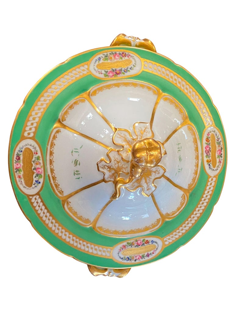 Extensive Paris Porcelain Dinner Service For Sale 4