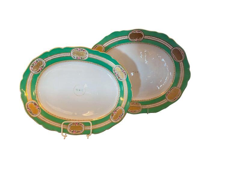 Extensive Paris Porcelain Dinner Service For Sale 10