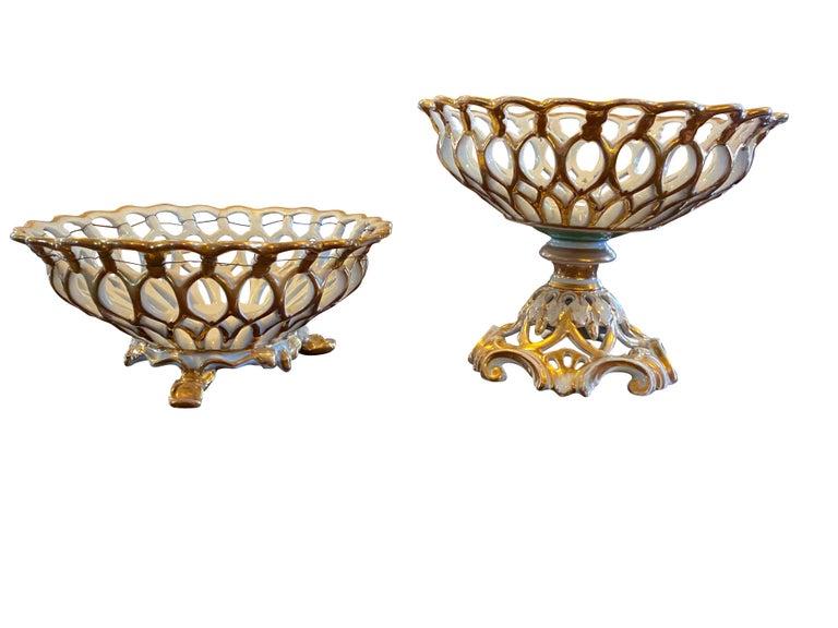 Extensive Paris Porcelain Dinner Service For Sale 12