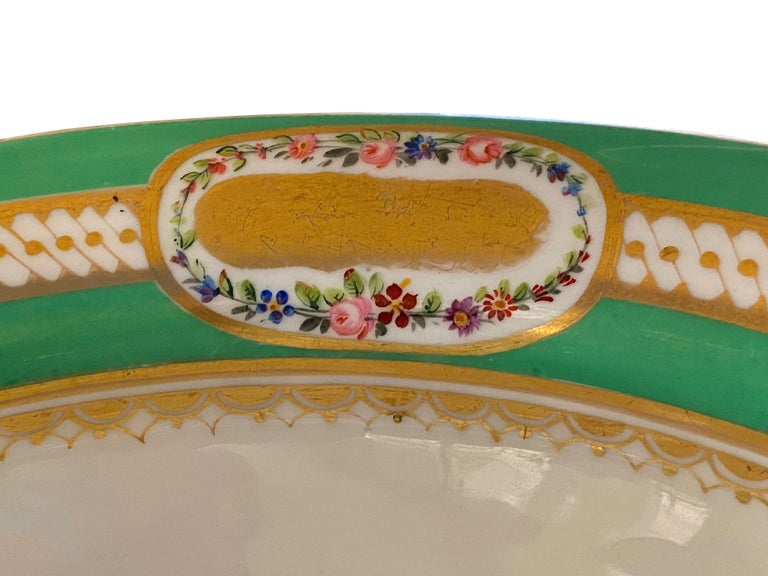 Mid-19th Century Extensive Paris Porcelain Dinner Service For Sale