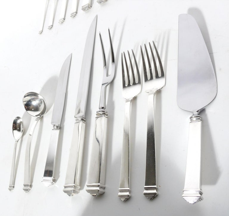 American Extensive Set of Tiffany Hampton Sterling Silver Flatware 140 Pieces For Sale