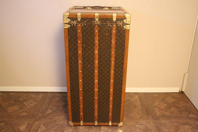 Extra Large Louis Vuitton Wardrobe Steamer Trunk, Louis Vuitton Trunk In Good Condition For Sale In Saint-Ouen, FR