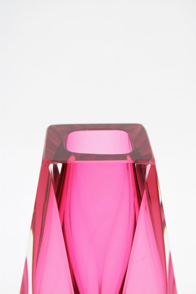 Extra Large Mandruzzato Pink Faceted Murano Glass Sommerso Vase, Italy, 1960s For Sale 3