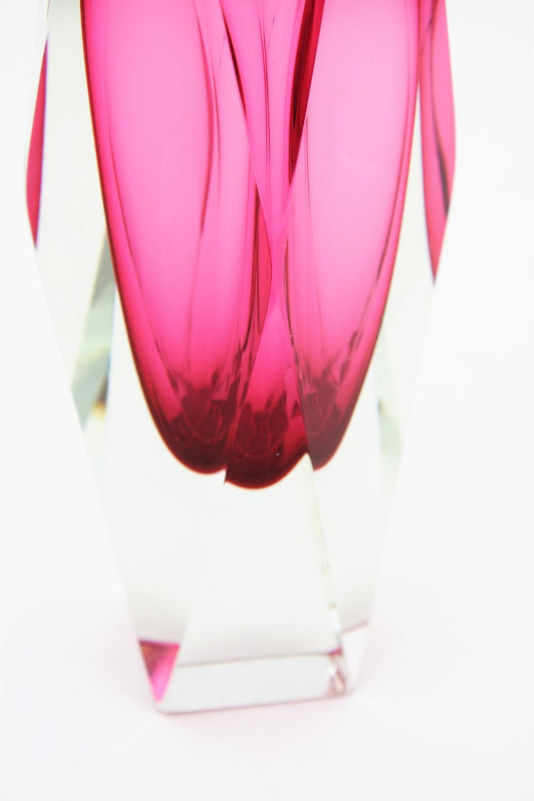 Extra Large Mandruzzato Pink Faceted Murano Glass Sommerso Vase, Italy, 1960s For Sale 4