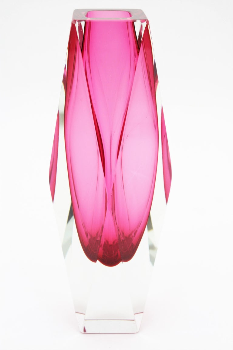 Extra Large Mandruzzato Pink Faceted Murano Glass Sommerso Vase, Italy, 1960s For Sale 2