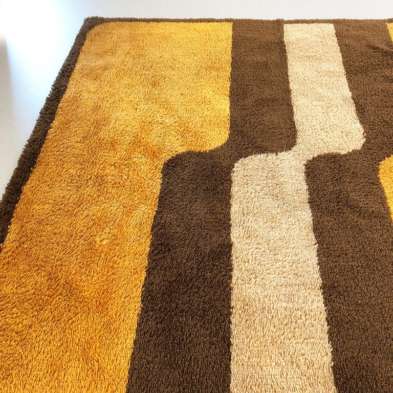Extra Large Pop Art Multi-Color High Pile Wool Rug by Besmer, Germany, 1970s In Good Condition For Sale In Kirchlengern, DE