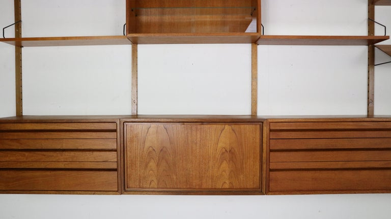 Extra Large Poul Cadovius for Royal System Wall System or Shelving Unit, 1950s In Good Condition In The Hague, NL