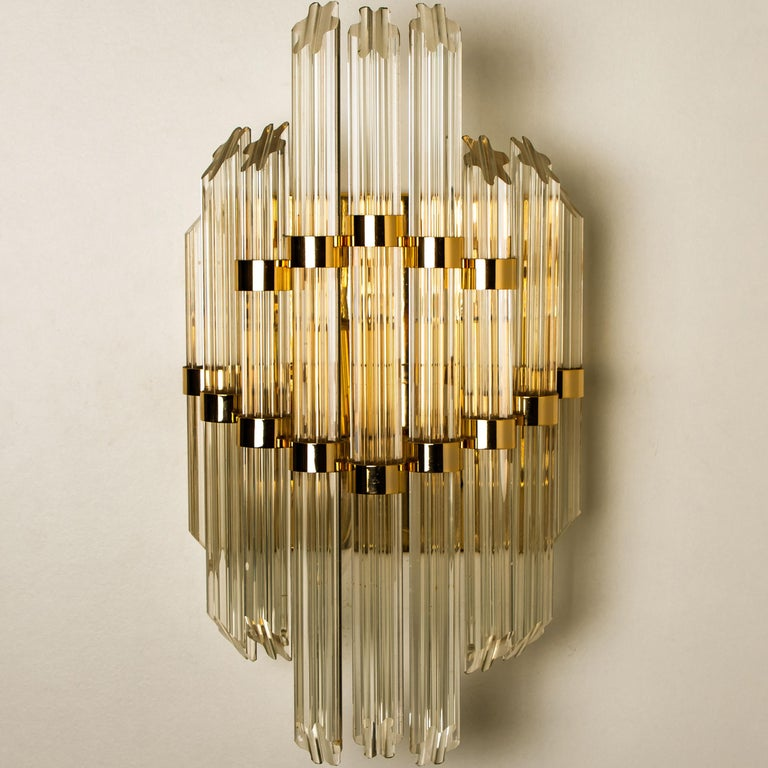 Extra Large Venini Style Murano Glass and Gilt Brass Sconce, Italy In Good Condition For Sale In Rijssen, NL