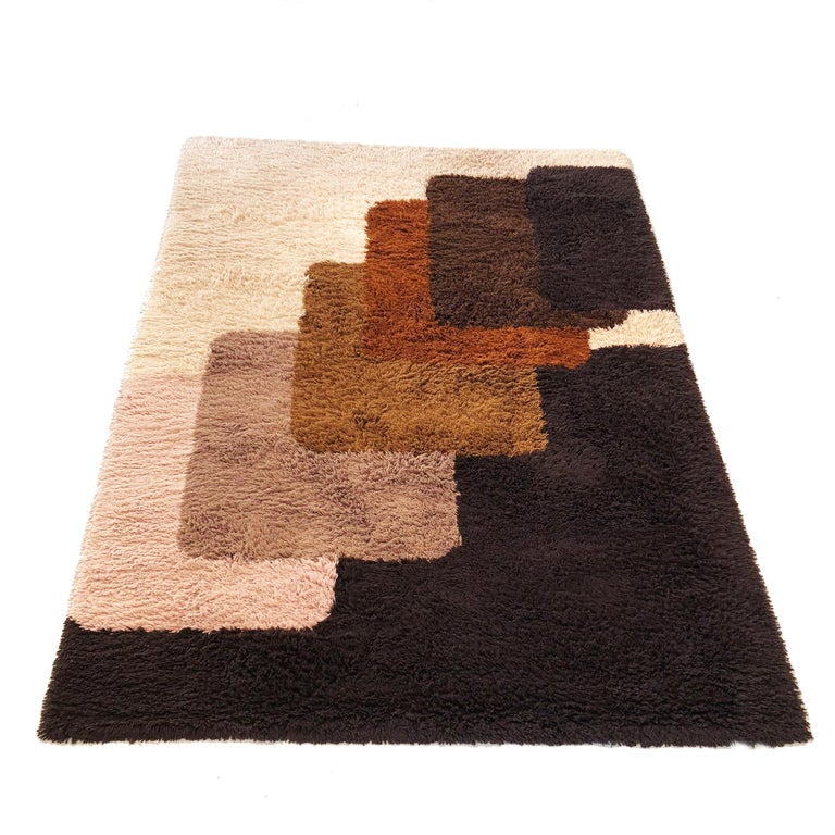 Article:  Original huge high pile rug   Decade:  1970s   Origin:  Netherlands   Producer:  Desso    Description:  This rug is a great example of 1970s pop art interior. Made in high quality weaving technique. This high quality