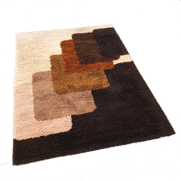 Mid-Century Modern Extra Large Vintage Colorful High Pile Rug by Desso, Netherlands, 1970
