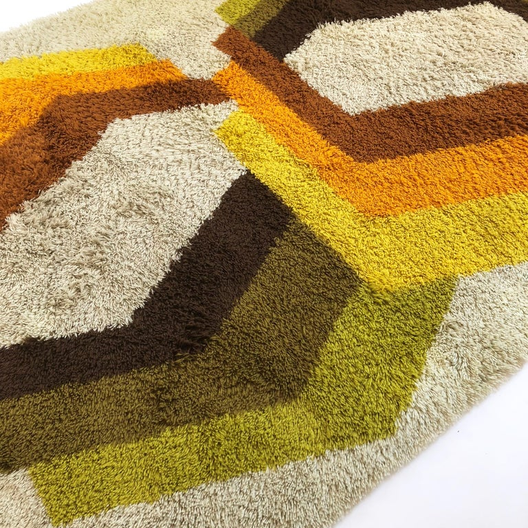 Extra Large Vintage Multi-Color High Pile Rug by Desso, Netherlands, 1970s In Good Condition For Sale In Kirchlengern, DE