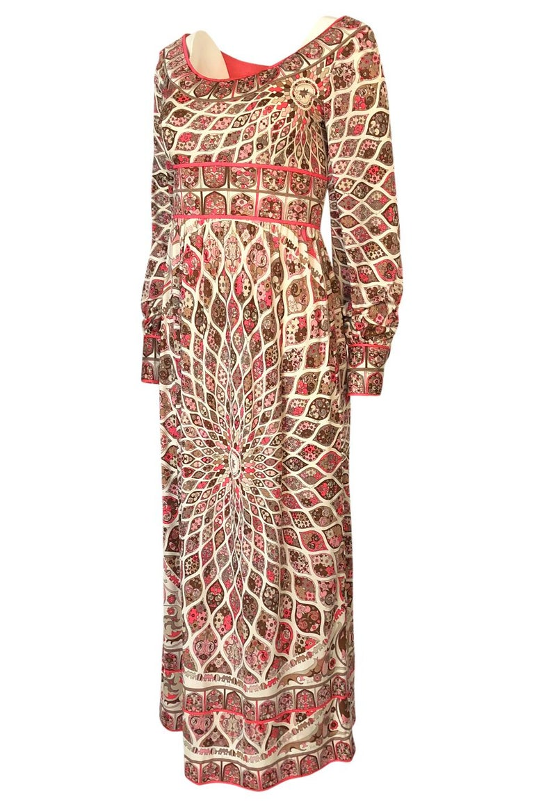 Extraordinary 1960s Emilio Pucci Silk Jersey Intricate Swirl Print Dress In Excellent Condition For Sale In Rockwood, ON