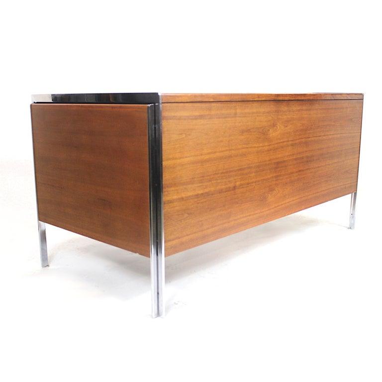 American Extraordinary 1970s Mid-Century Modern Walnut and Aluminium Desk by Stow Davis
