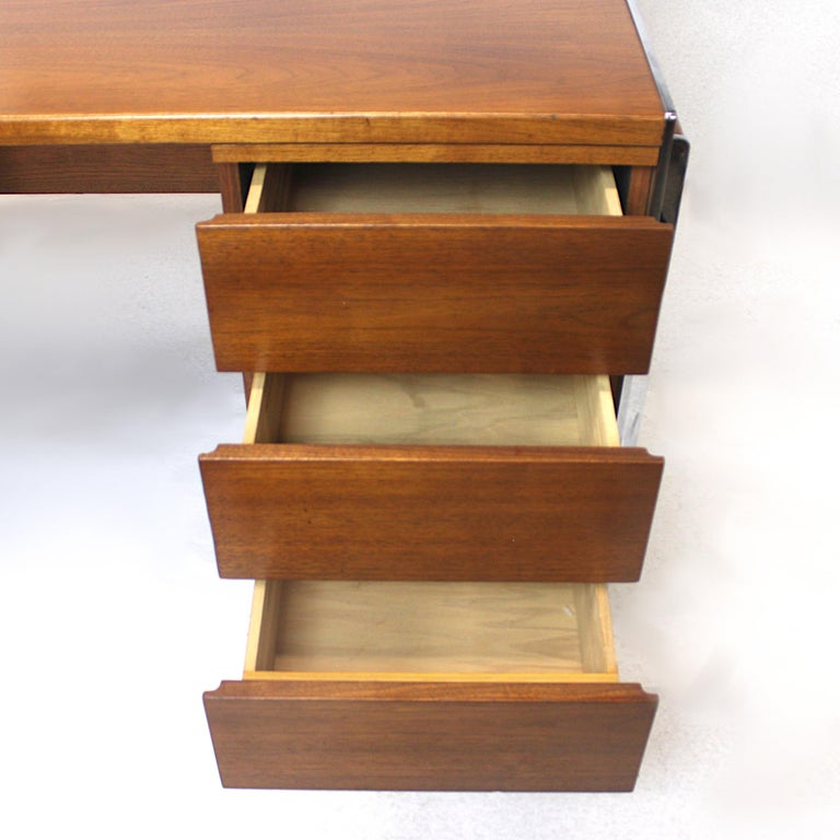 Aluminum Extraordinary 1970s Mid-Century Modern Walnut and Aluminium Desk by Stow Davis