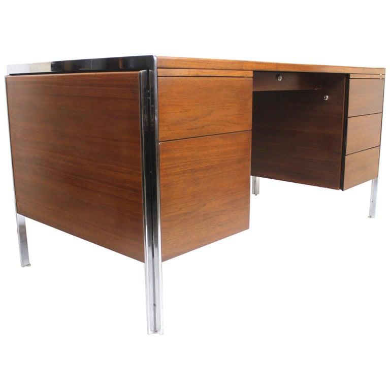 Extraordinary 1970s Mid-Century Modern Walnut and Aluminium Desk by Stow Davis