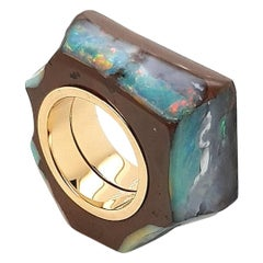 Extraordinary Boulder Opal Ring with 18 Carat Yellow Gold