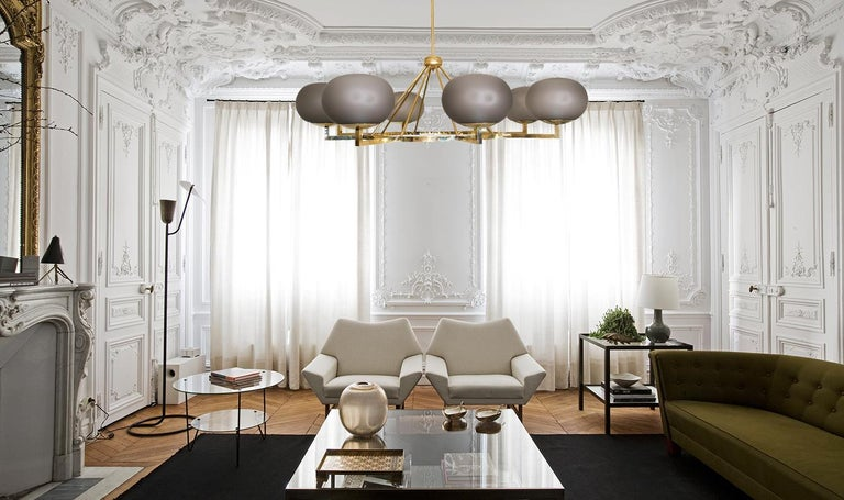 Extraordinary Brass and Grey Opaline Murano Glass Large Modern Chandelier For Sale 4