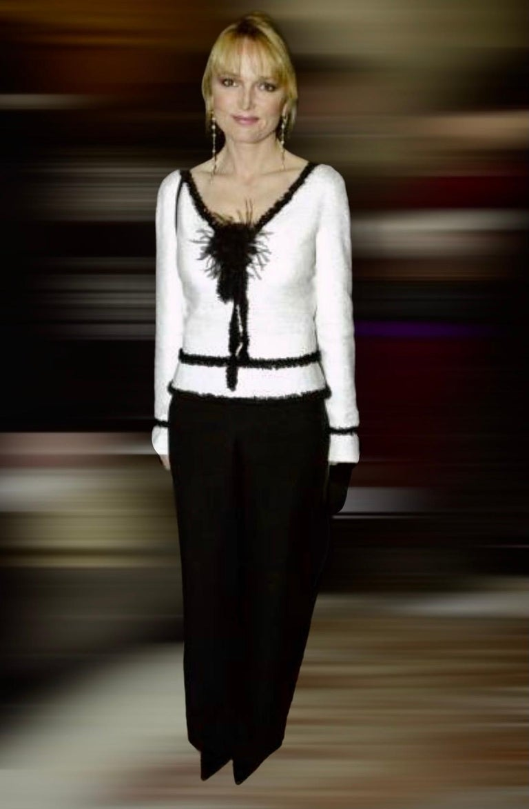 Extraordinary Chanel Signature Monochrome Sequin Fantasy Tweed Jacket For Sale 6