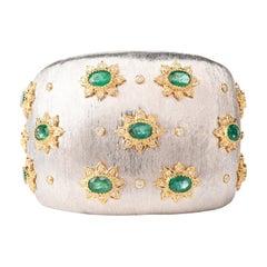Extraordinary Diamond Emerald Wide 18 Karat Cuff Bracelet