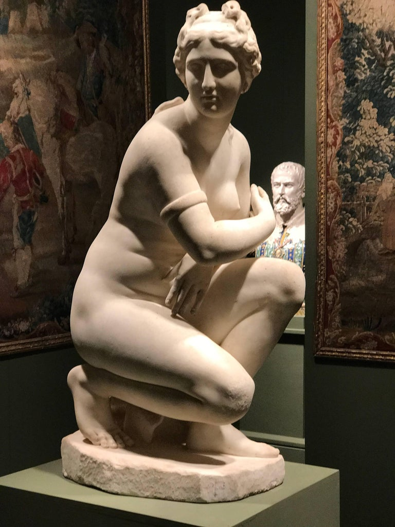 Extraordinary Italian 19th Century Marble Statue of Aphrodite For Sale 1