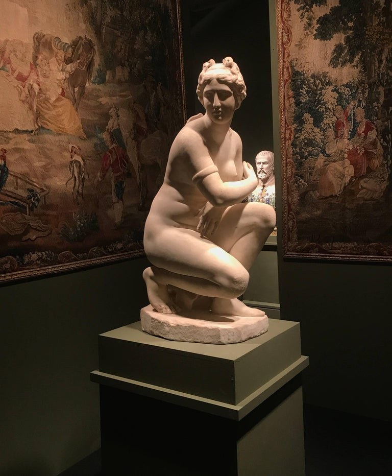 Extraordinary Italian 19th Century Marble Statue of Aphrodite For Sale 4