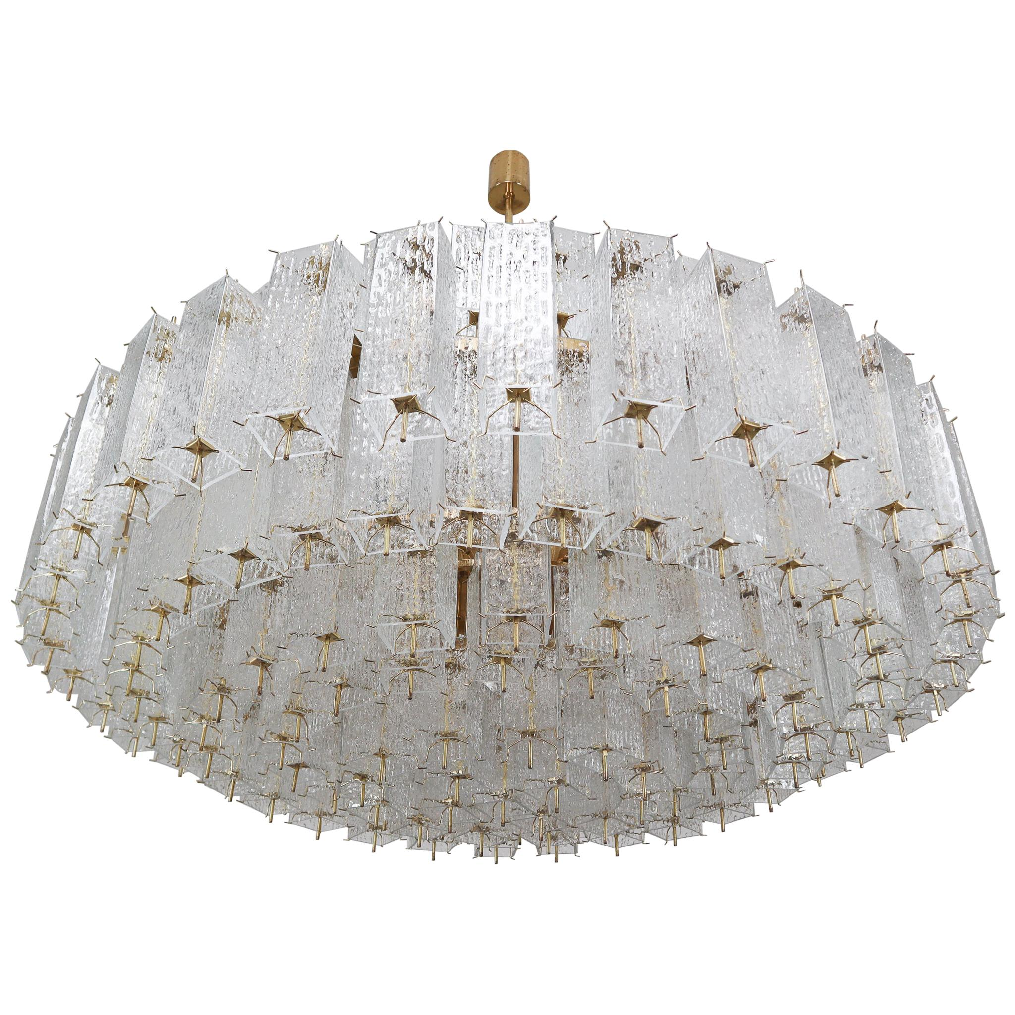 Extreme Extra Large Midcentury Brass Chandelier in Structured Glass from Europe