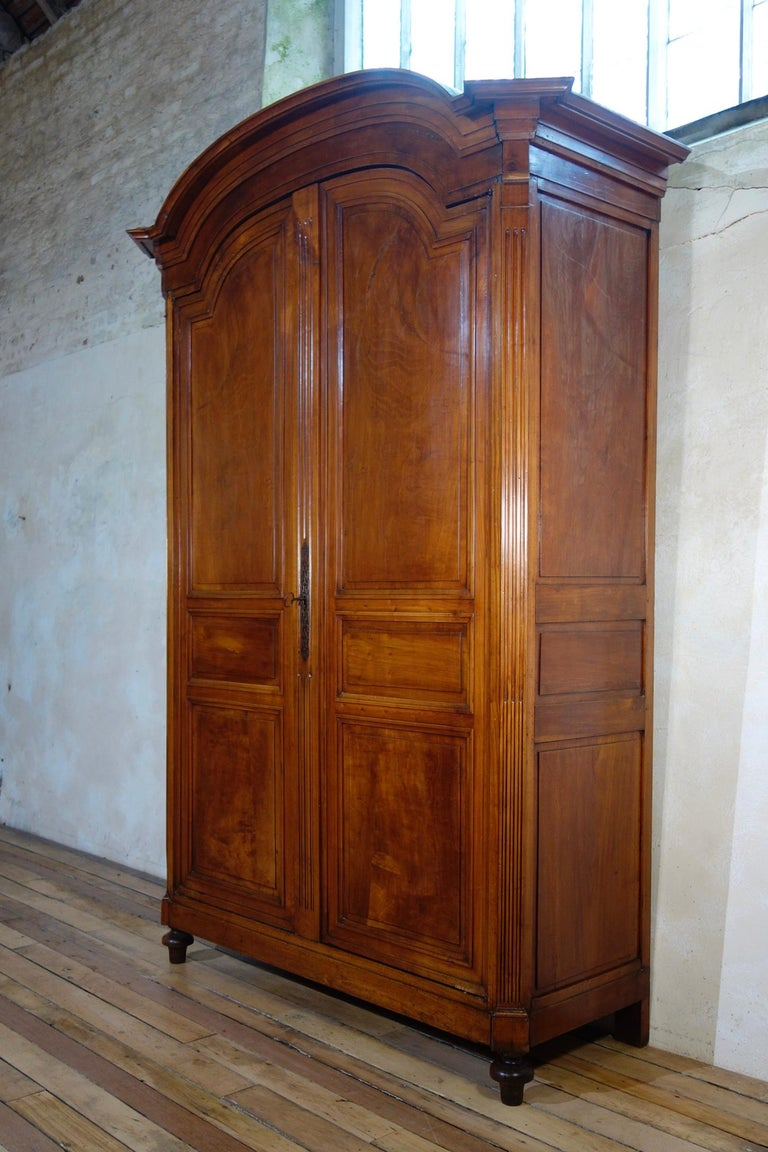 Extremely Large French 18th Century Louis XVI Walnut Armoire Wardrobe Cupboard For Sale 2