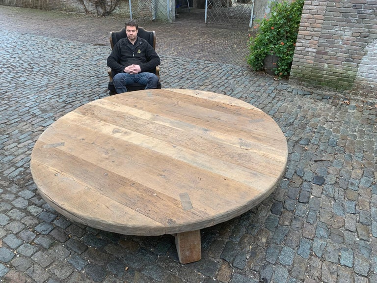 Extremely Large natural cleaned solid oak round Coffee Table / Low Table  For Sale 1
