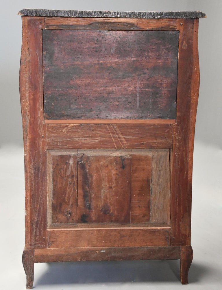 Extremely Rare French Fine Quality Mid-18th Century Louis XV Secretaire Cabinet For Sale 7