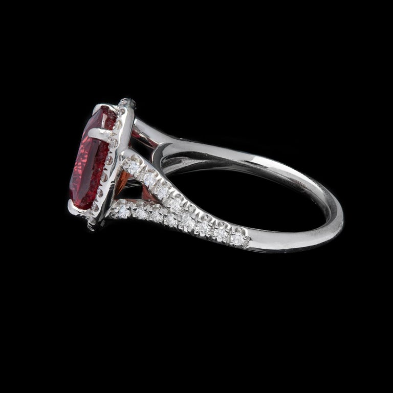 Extremely Rare No Heat GIA 5.10 Carat Red-Orange Sapphire Diamond Ring For Sale 2