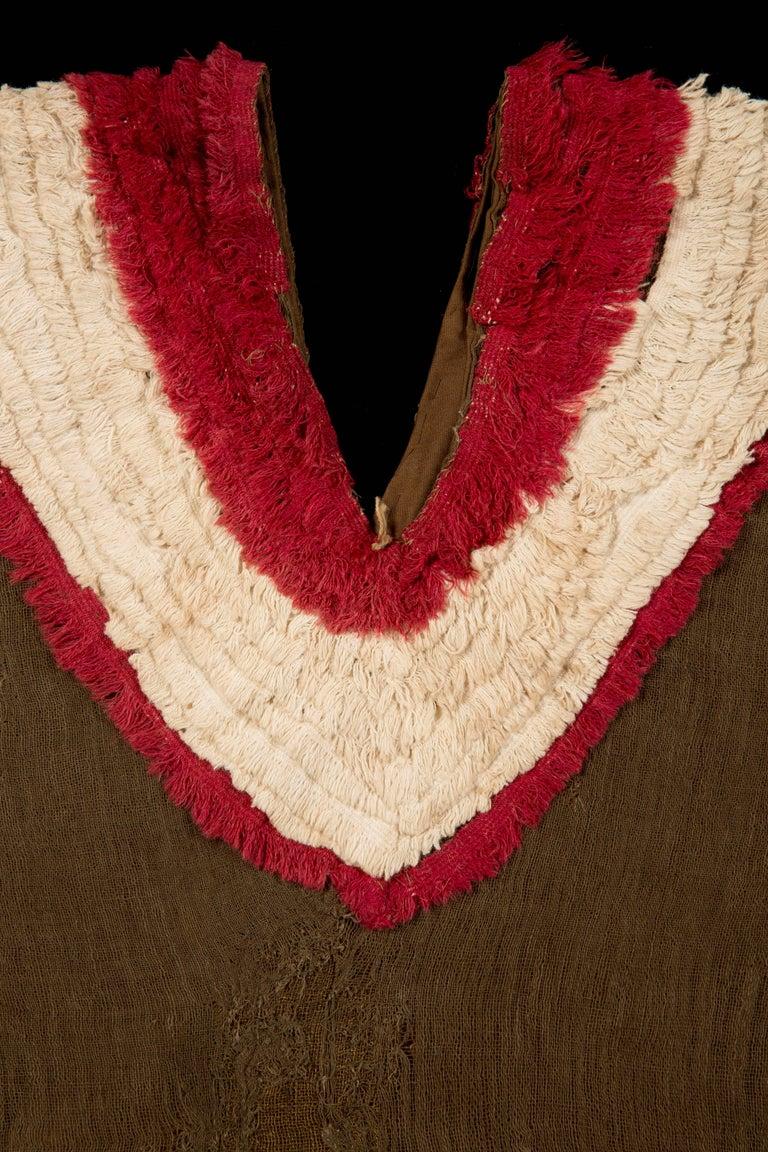 Extremely Rare Pre-Columbian Chimu Gauze Poncho Textile, Peru, 1000-1450 AD In Excellent Condition For Sale In San Pedro Garza Garcia, Nuevo Leon