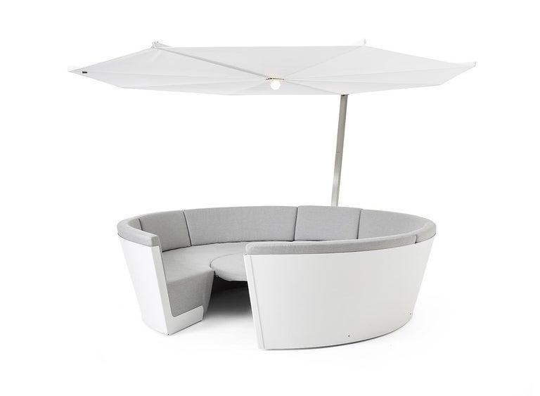 Modern Extremis Kosmos Eight-Seat Designer Sofa with Kosmos Parasol Round For Sale