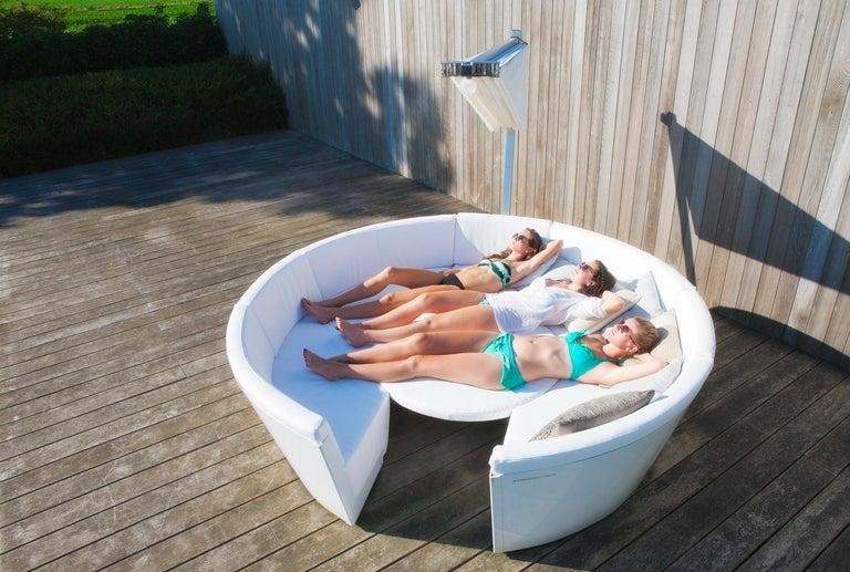 Extremis Kosmos Eight-Seat Designer Sofa with Kosmos Parasol Round For Sale 1