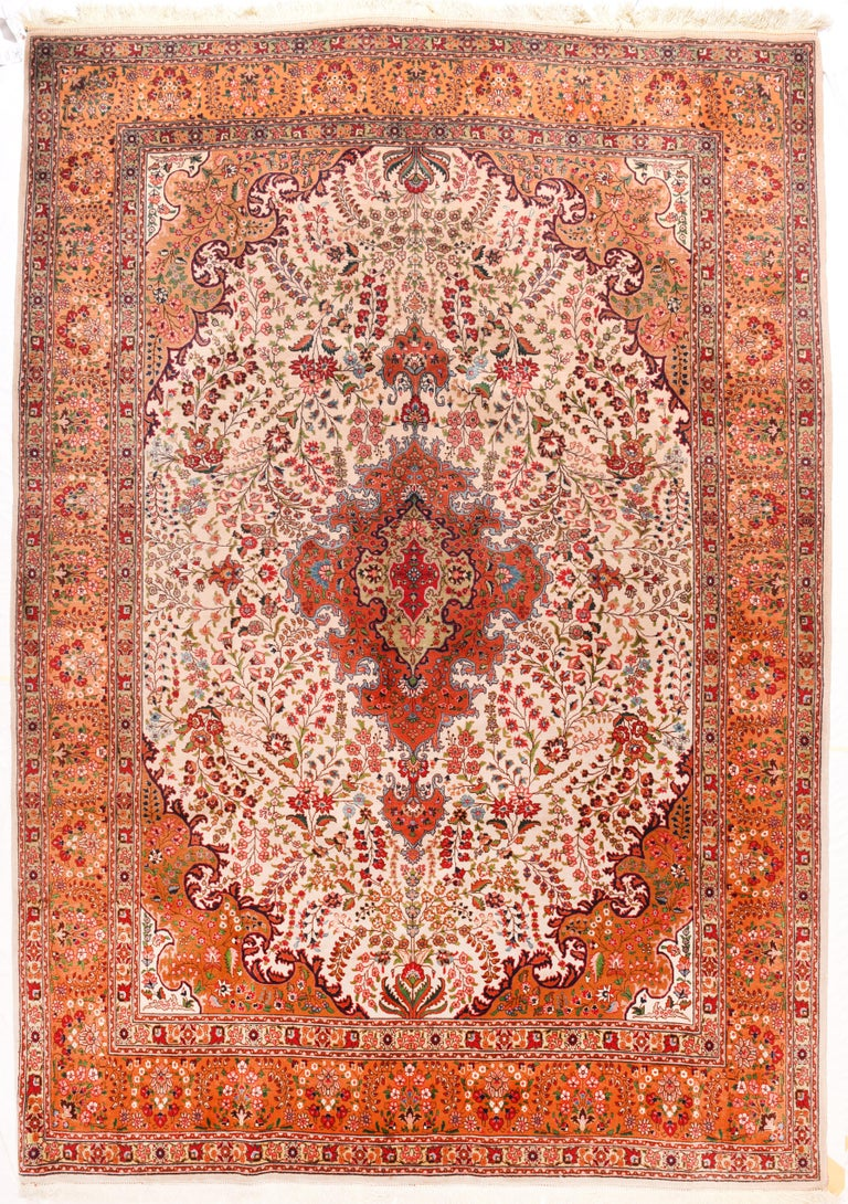 Extremely Fine Vintage Persian Tabriz Rug, Hand Knotted, circa 1970s In Excellent Condition For Sale In Chevy Chase, MD
