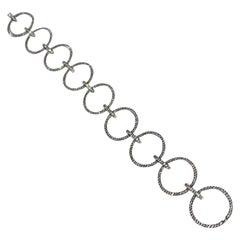 Eye-Catching 1.40 Carat Pave Diamond Oval 18 Karat White Gold Link Bracelet