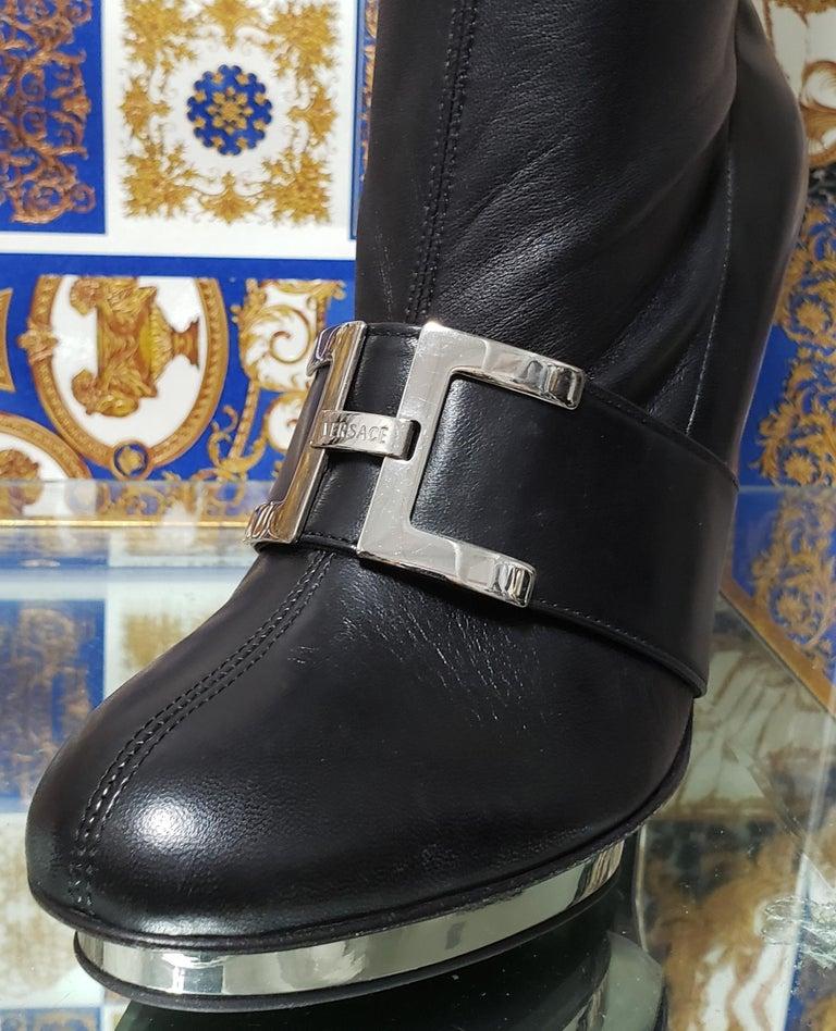 F/2007 L# 10 VERSACE VINTAGE BLACK STRETCH LEATHER PLATFORM Boots 38.5 - 8.5 For Sale 4