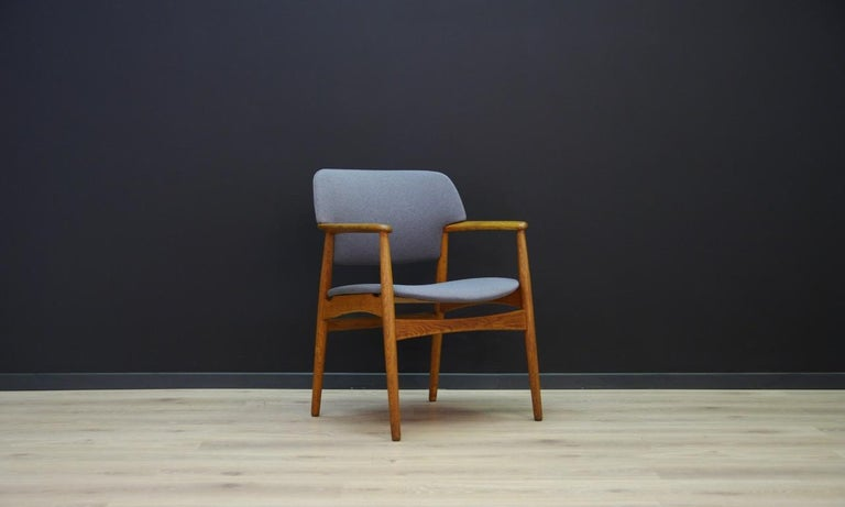 Retro armchair from the 1960s-1970s, minimalist form - Scandinavian design. Manufactured in Fritz Hansen manufacture. New upholstery (color - grey), construction and backs made of oak. Preserved in good condition (minor scratches on wooden