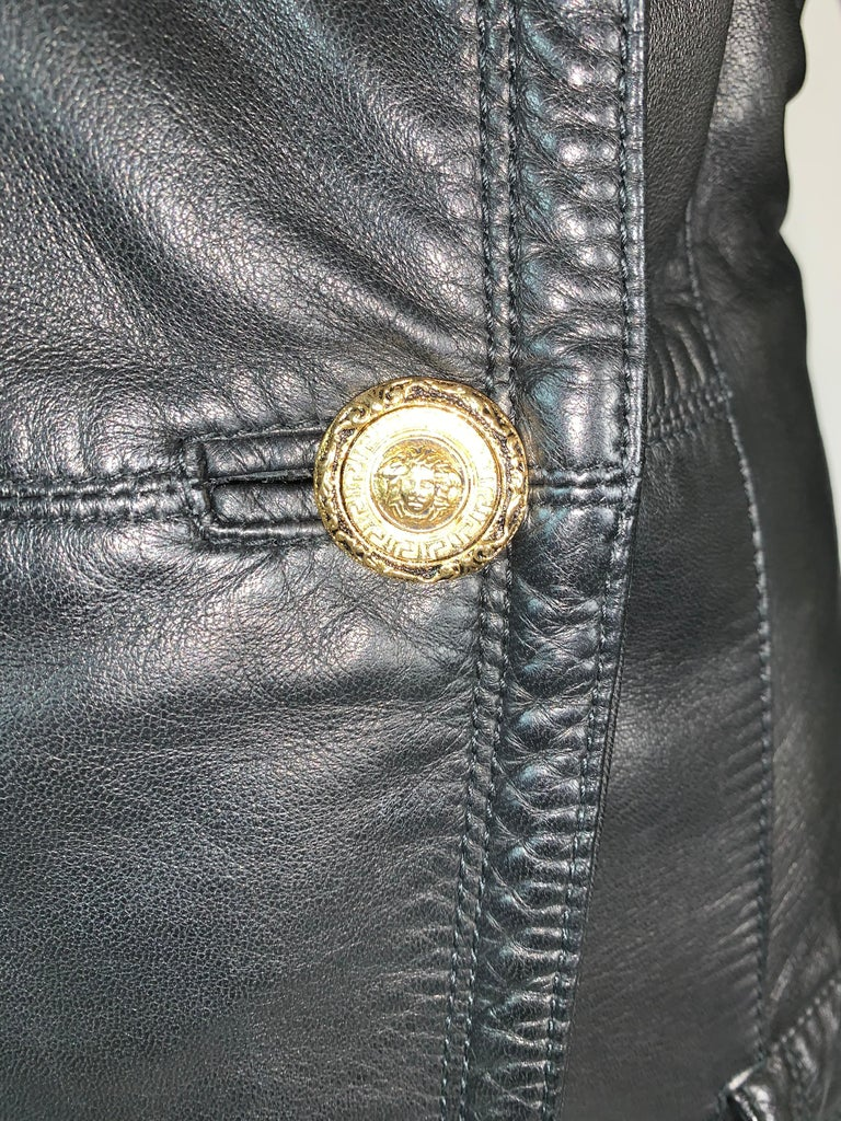 F/W 1993 Gianni Versace Black Leather Bondage Corset Sleeves Jacket Coat In Good Condition For Sale In Yukon, OK