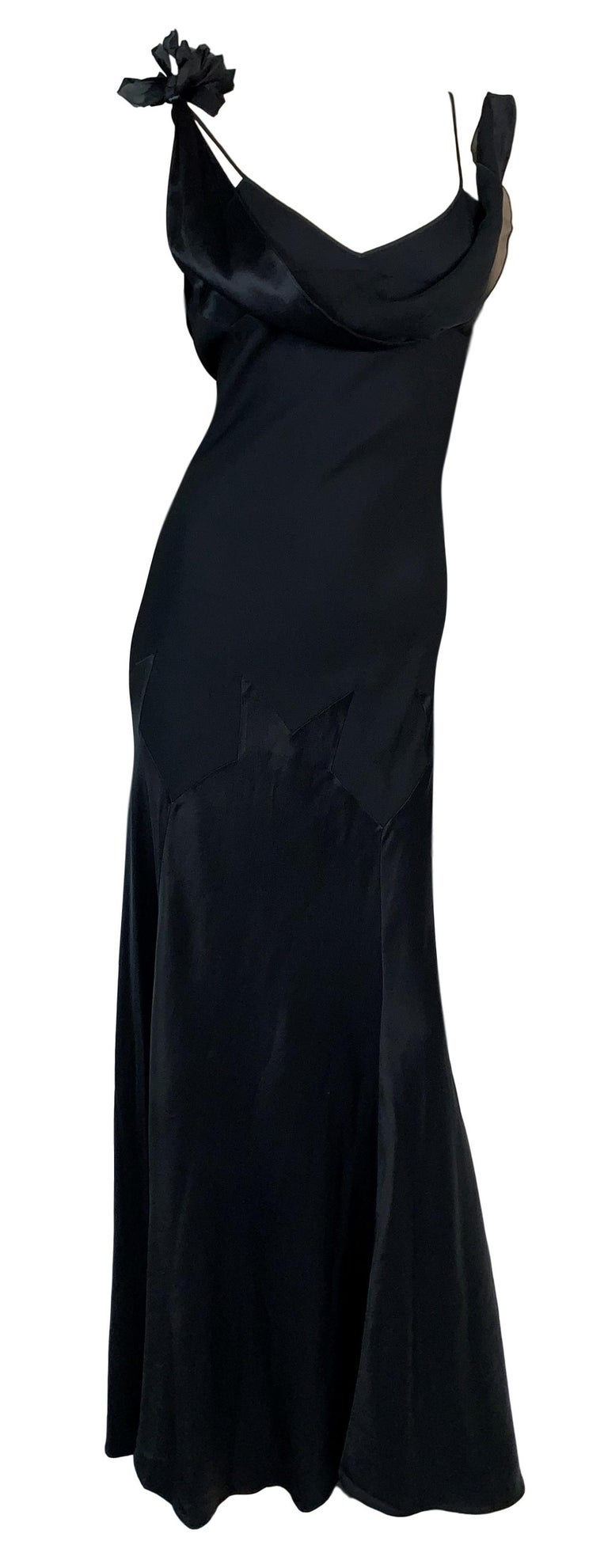 F/W 1994 John Galliano Runway Black Off Shoulder Flower Gown Dress In Good Condition For Sale In Yukon, OK