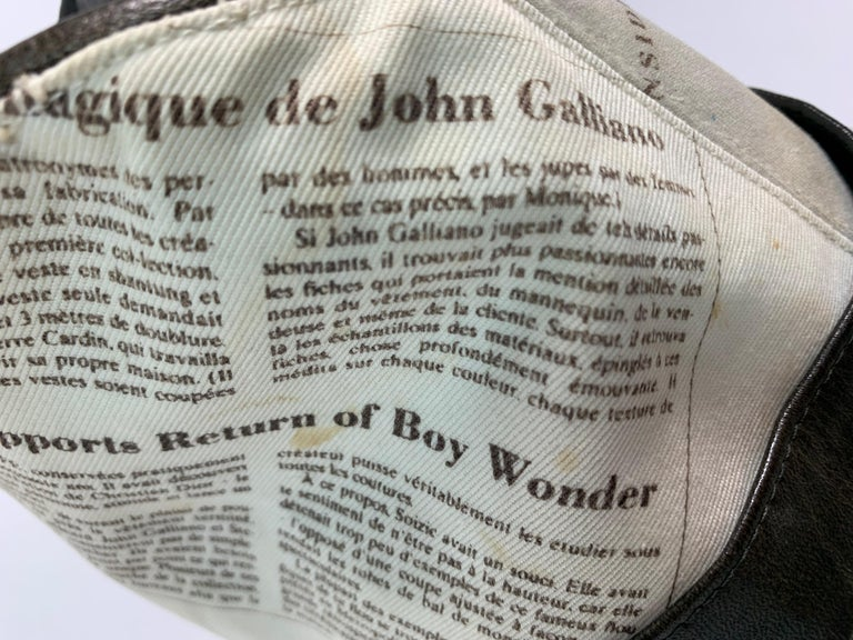 F/W 2000 Christian Dior John Galliano Newsprint Logo by Stephen Jones Top Hat For Sale 6